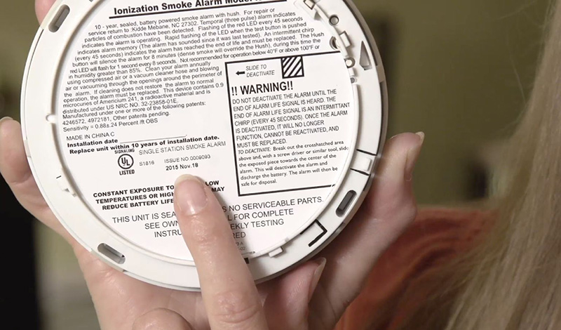 Do smoke detectors expire?